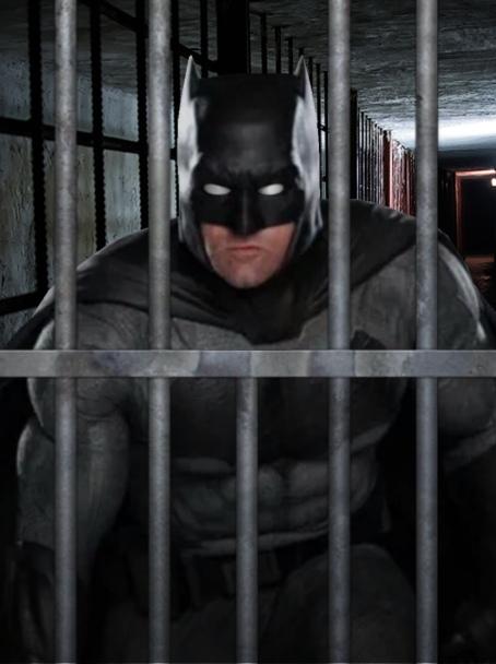 Капперы в маске Бэтмена кидали людей, продавая бота для прогнозов. Теперь их ждет тюрьма