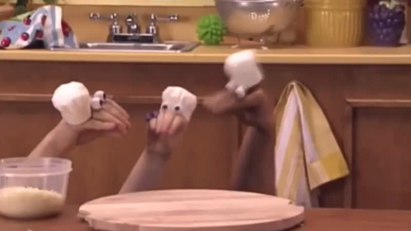 Oobi and Friends Make Pizza 16 9