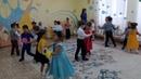 Танец с цветами в детском саду на День матери / 8 марта в старшей группе