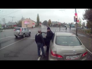 В Тамбове поп подрезал автобус с людьми, а после этого начал учить водителя езде