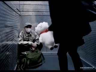 석진 ✨ в твиттере «jin taking care of sick hobi by giving him rj 🥺😭 💾 jin 진 jhope 호석 2seok bts 방탄소년단
