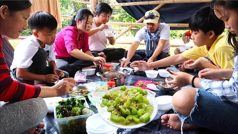 Lunch at Sovann's Home at Sala Lek 5 in Kampong Chhnang Province