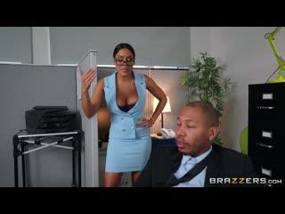 Трахает грудастую секретаршу (secretary big tits office в офисе большая грудь)