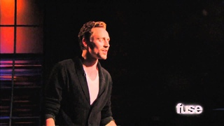 Tom Hiddleston Performs 'Henry V' Monologue   Hoppus on Music   Fuse (rus sub)