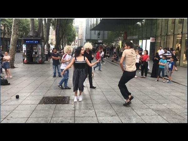 Красивая Девушка Танцует И Взрывает Центр Тбилиси 2019 Чеченская Лезгинка ALISHKA FATO ABDULLA ELVIN