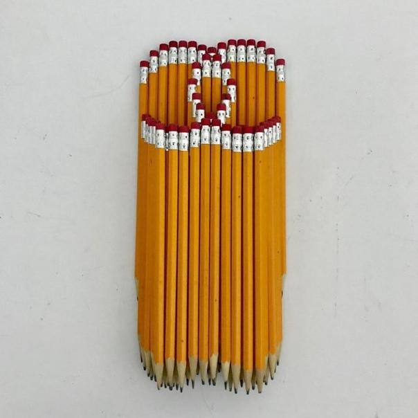 Необычные инсталляции из карандашей