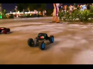 Машинка перевертыш - управление жестами Twister rc Stunt Cars
