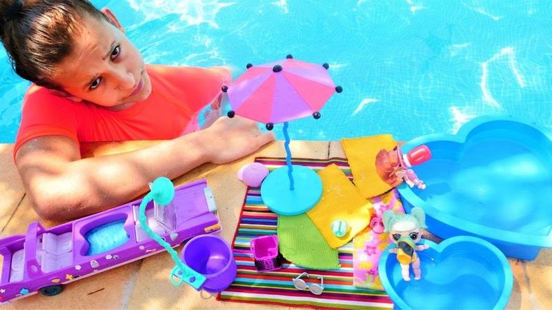 Asu Ela havuzda L O L bebeklerle karşılaşıyor Havuz oyunları