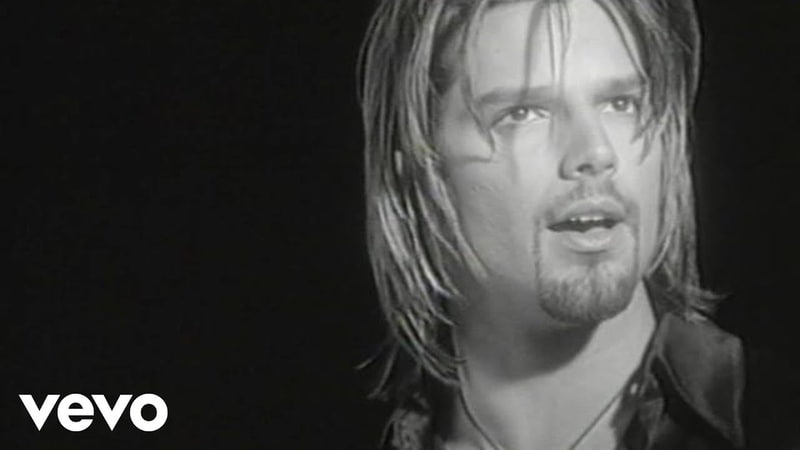 Ricky Martin - Fuego de Noche, Nieve de Día (Video Oficial Remastered)