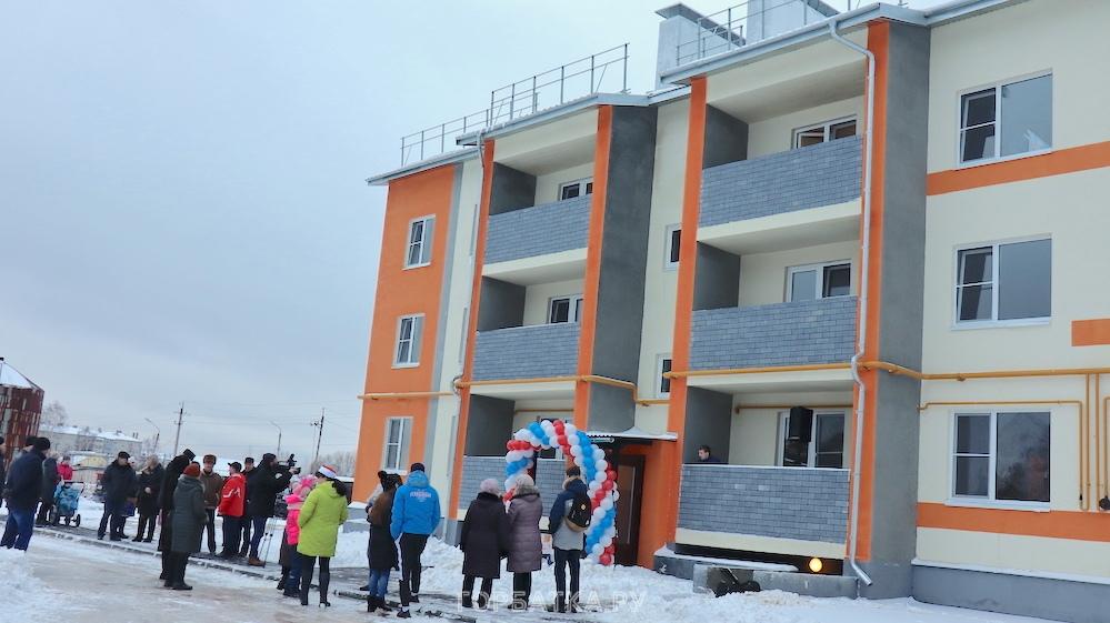 Дед Мороз получил квартиру в Красной Горбатке