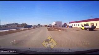 Водителю чудом удалось избежать лобового столкновения в Актау😱