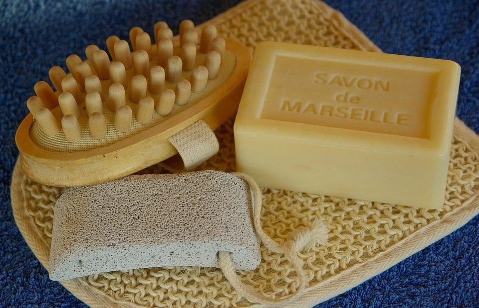 Марсельское мыло творит чудеса с волосами и кожей: как его варить дома
