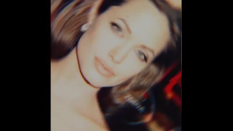 Angelina jolie [cenemaz].