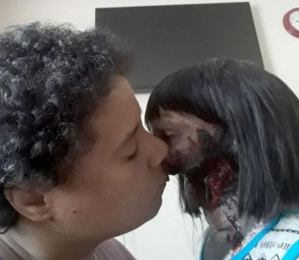 """Фотографии американки вышедшей замуж за куклу, которую она называет """"любовь всей ее жизни"""""""