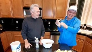 Американец Терри учит готовить Блог Толстяка популярный десерт.