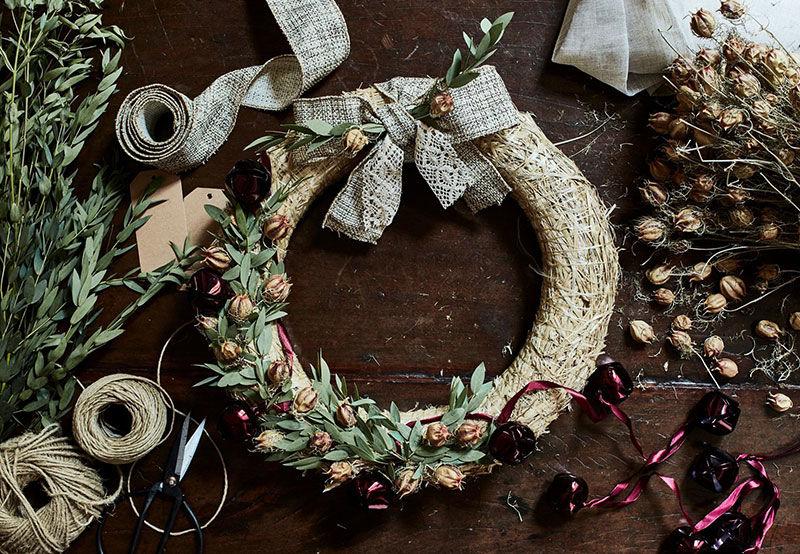 Восхитительный традиционный французский особняк в новогоднем убранстве от Alinea || 01