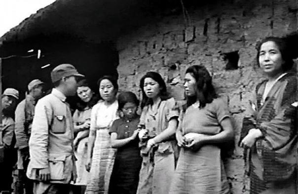 """""""Удобные"""" женщины для японских офицеров"""