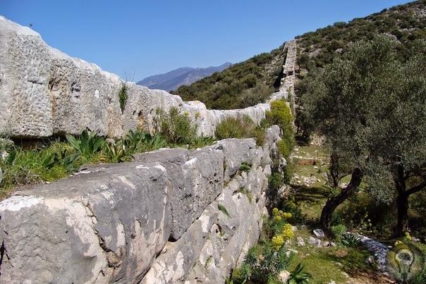Патара - древний ликийский город Патара - это древний город, который находится на территории современной Турции. Считается, что его основал сын бога Аполлона по имени Патар. Самые древние следы