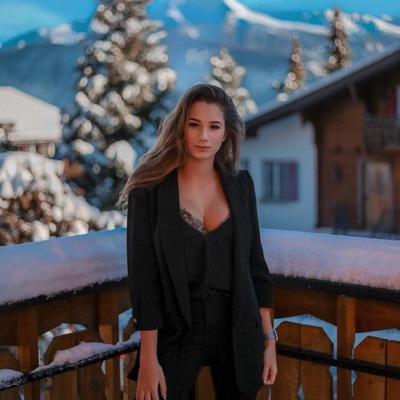 Маша Южакова