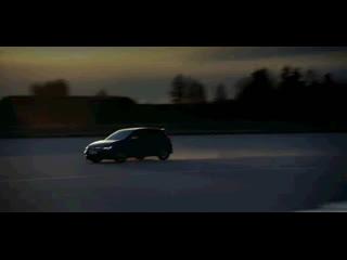 Volkswagen представил обновленный Golf R с дрифт-режимом