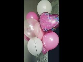 фонтанчик из 10 гелиевых шаров с фольгированным сердцем