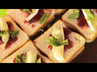 Сладкий сэндвич с сыром бри и клюквой [Мужская Кулинария]
