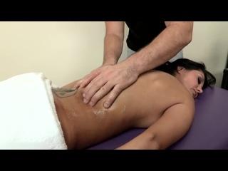 Начальница расслабилась и трахнула массажиста, busty milf mature mom boss job tit boob sex fuck oil body porn HD (Hot&Horny)
