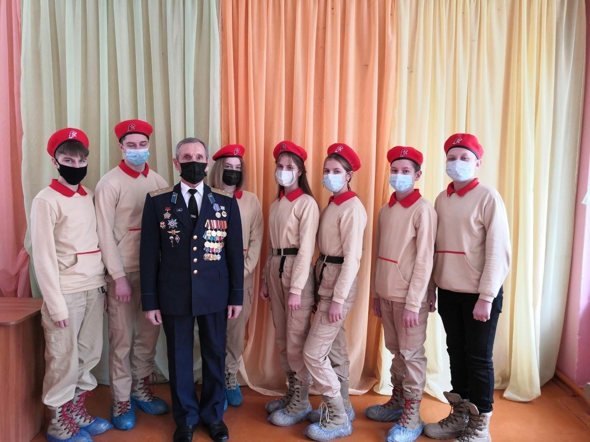 В детско-юношеском Центре Петровска прошли Уроки мужества, посвящённые предстоящему Дню памяти воинов-интернационалистов