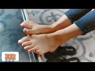 Kyler Quinn [ feet, footjob, footfetish ]