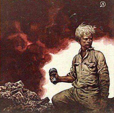 Шаг в бессмертие! Битва под Сталинградом, 1942 год. Район площади Дзержинского и тракторного завода кромсали тысячи бомб. Пошли вражеские танки, изрыгая огонь, палили пушки. Убит наводчик