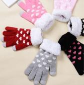 Перчатки женские для сенсорных экранов Сердечки
