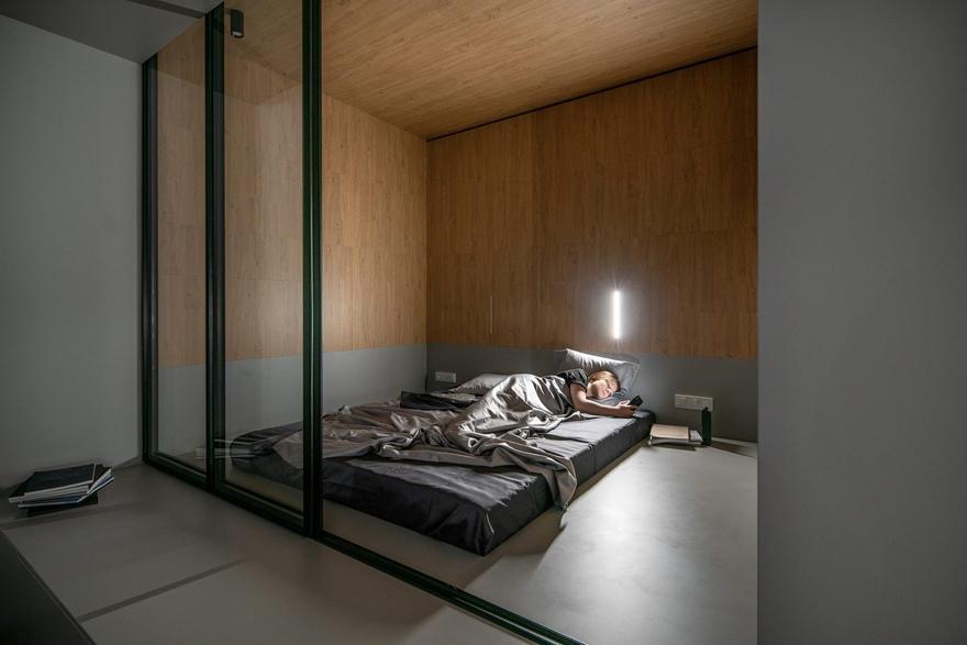 Перепланировка старой 1-комнатной квартиры в современную студию 38 м (с балконом – 41 м) в Киеве.