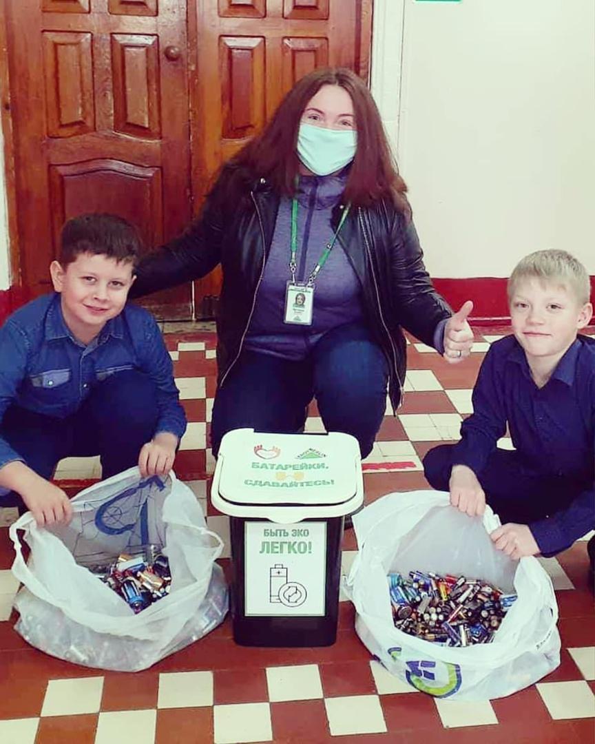 Воспитанники Центра «Точка роста» школы №1 города Петровска завершили первый этап акции «Батарейки, сдавайтесь!»