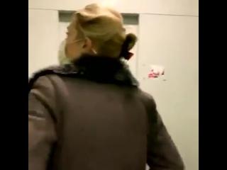 CNN пришла домой к одному из фсб-шных убийц,Таякину.Просто посмотрите на его лицо, когда они спрашивают,отравил ли он Навального