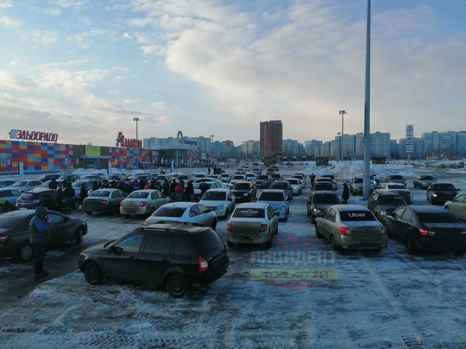 Забастовка таксистов в Тольятти. Мнения и комментарии