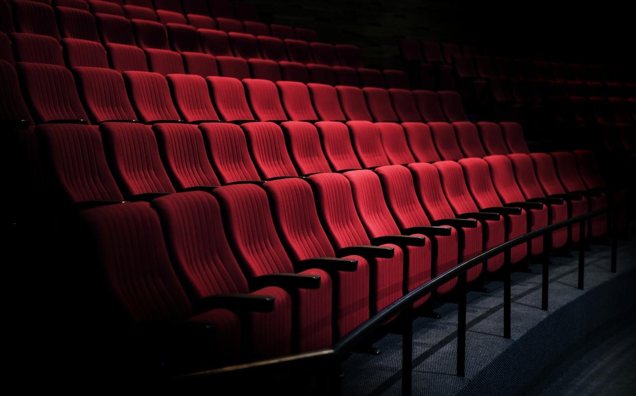 Почему вы не услышите мата в российских кинотеатрах?