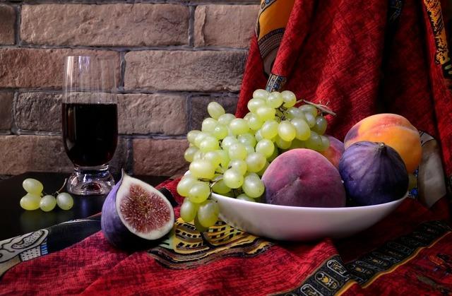 Этикет за обеденным столом: что, чем и как едят, правила поведения за столом, культура еды,