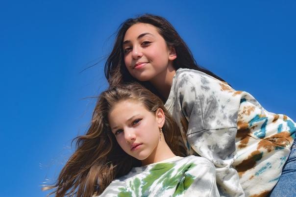 Разбираемся, как помочь подростку полюбить свою внешность...