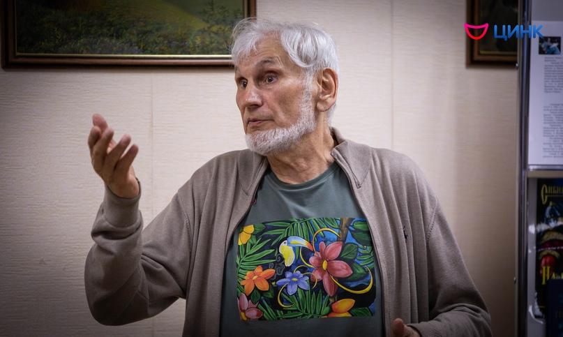 «Рыцарь фантастики» провёл встречу в библиотеке Кольцово, изображение №2