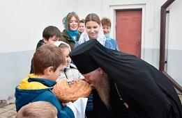 Божественную Литургию в Казанском храме села Боринское