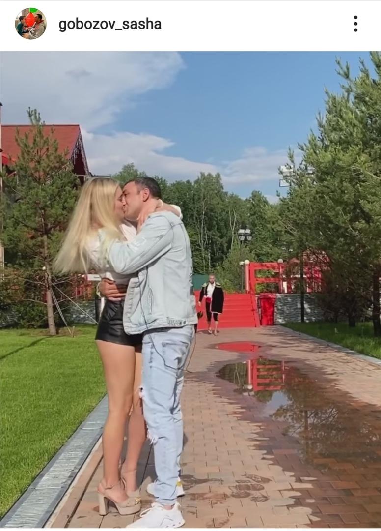Саша Гобозов сделал предложение Маше Давидовой