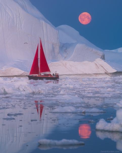 Восход луны в Гренландии