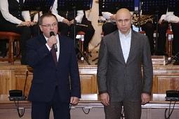 Шагает Первомай