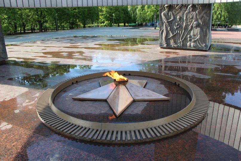 Плохие_новости: В тольяттинском парке Победы повредили Вечный огонь