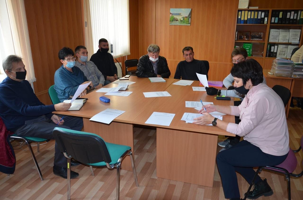 В Кимрах на депутатских комиссиях обсудили зарплату Главы и школьное питание
