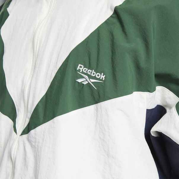 Спортивная куртка Classics Twin Vector image 4