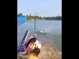 Ловись рыбка большая и маленькая... 😁