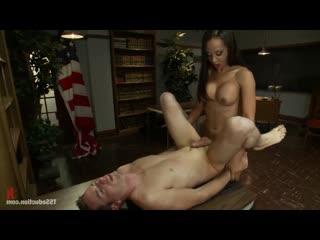 Busty brunette TS Sunshyne Monroe fuucks Leos ass TransTube