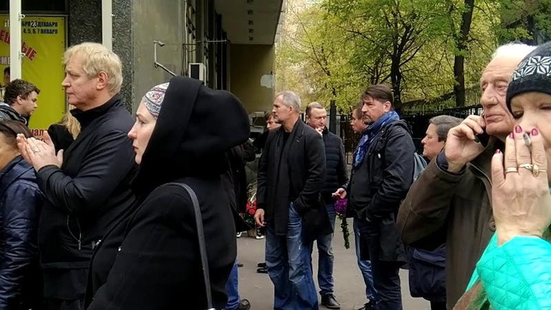 Дмитрий Марьянов прощание Люди не отпускали