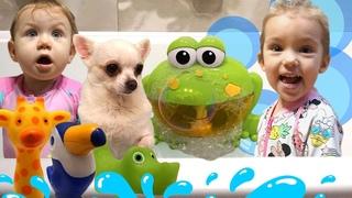 It's Bath Time Kids! | Miss Lialia Takes a Bath With Kids